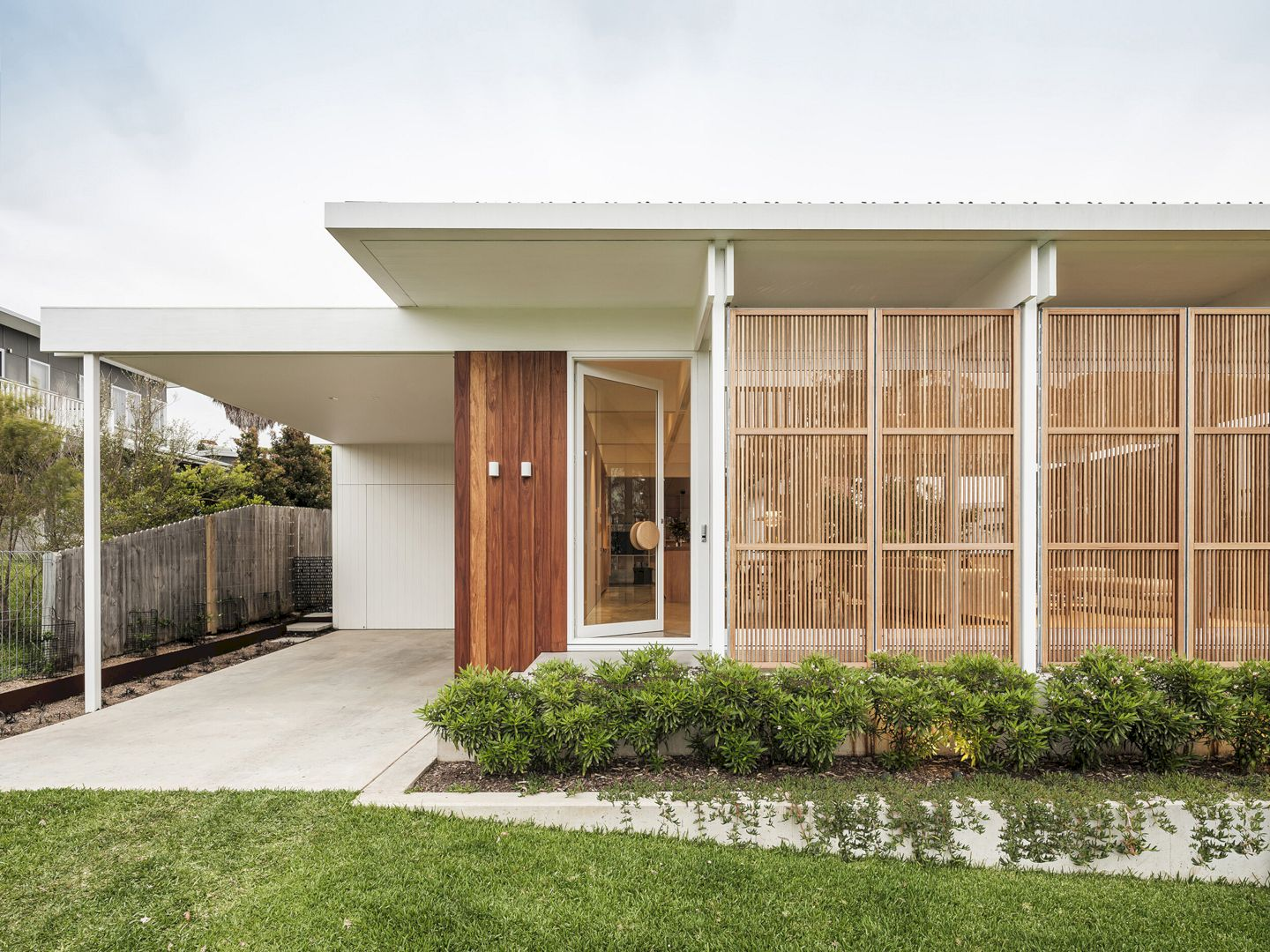 Bendalong Beach House By Madeleine Blanchfield Architects 14