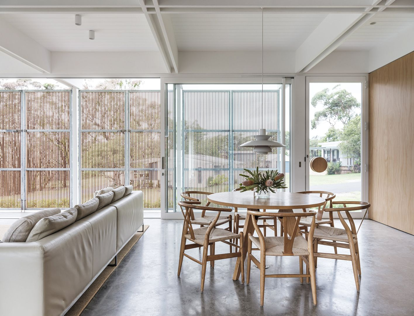 Bendalong Beach House By Madeleine Blanchfield Architects 5