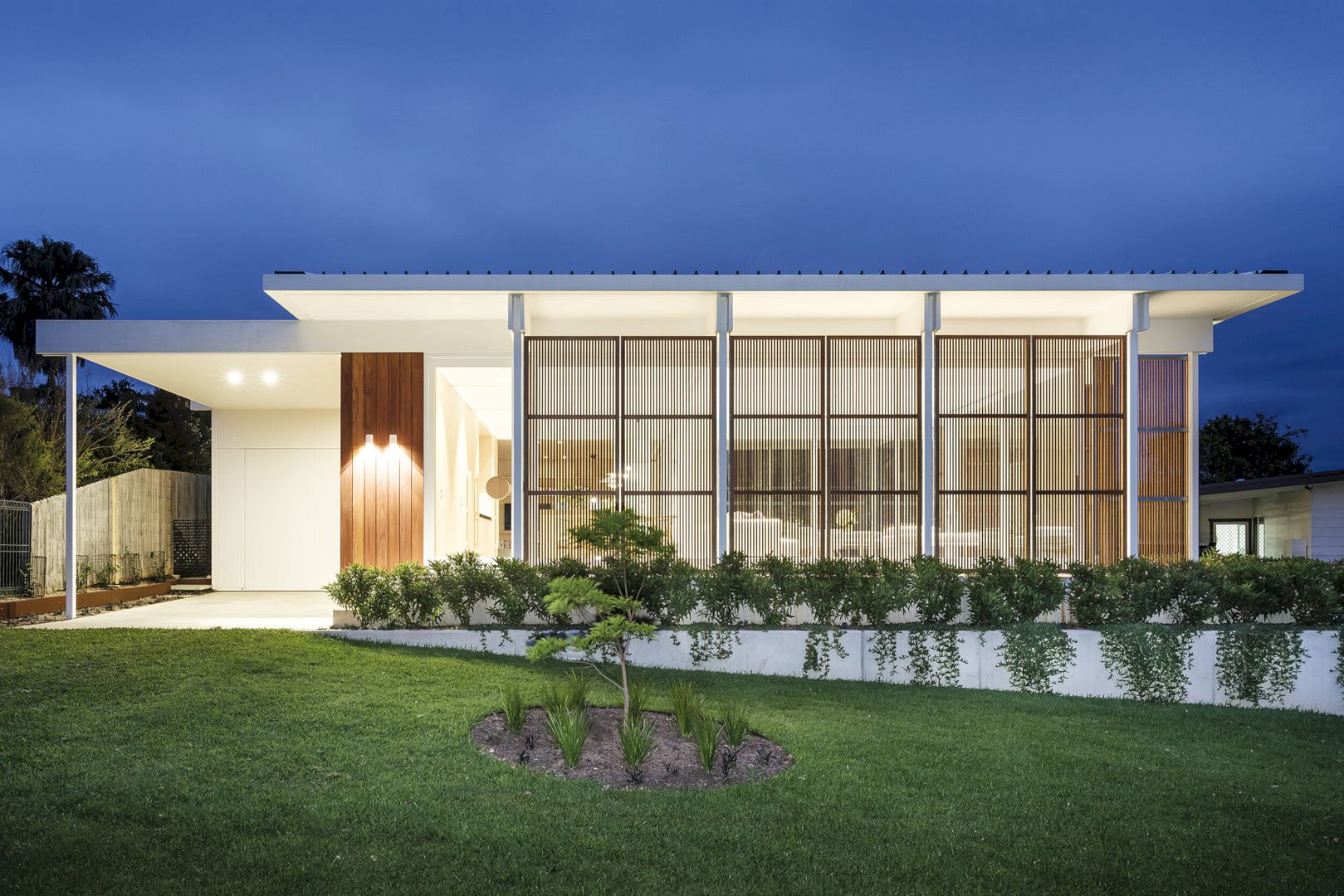 Bendalong Beach House By Madeleine Blanchfield Architects 6