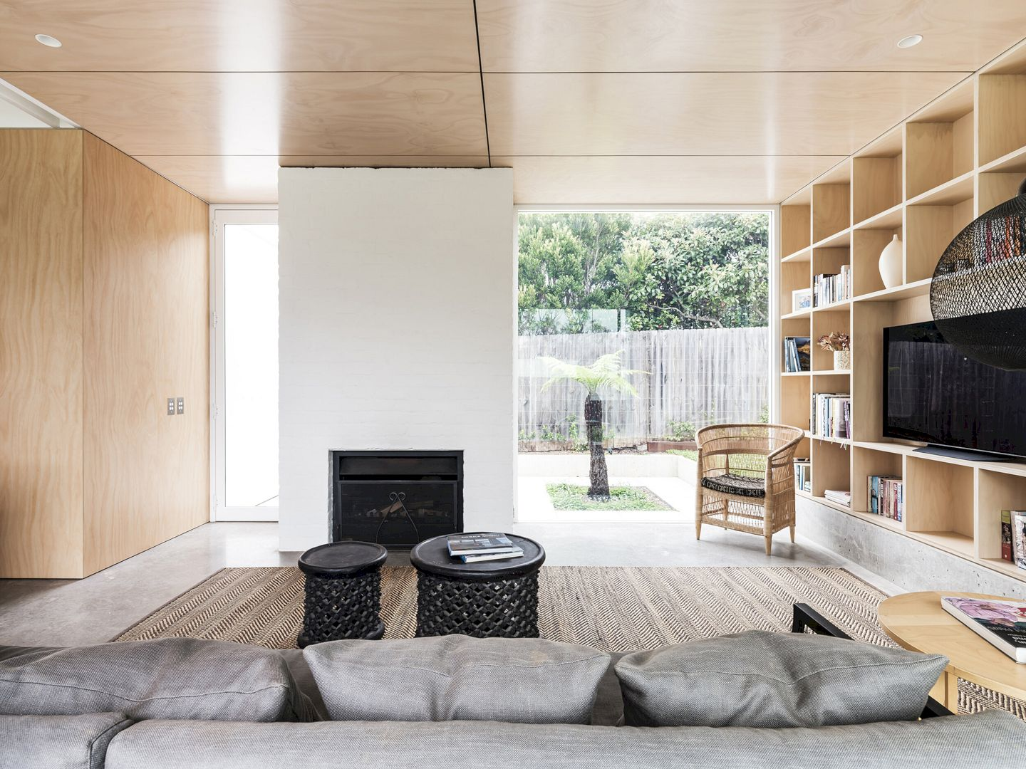 Bendalong Beach House By Madeleine Blanchfield Architects 7