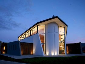 Holy Family Catholic Church By Condon Scott Architects 4