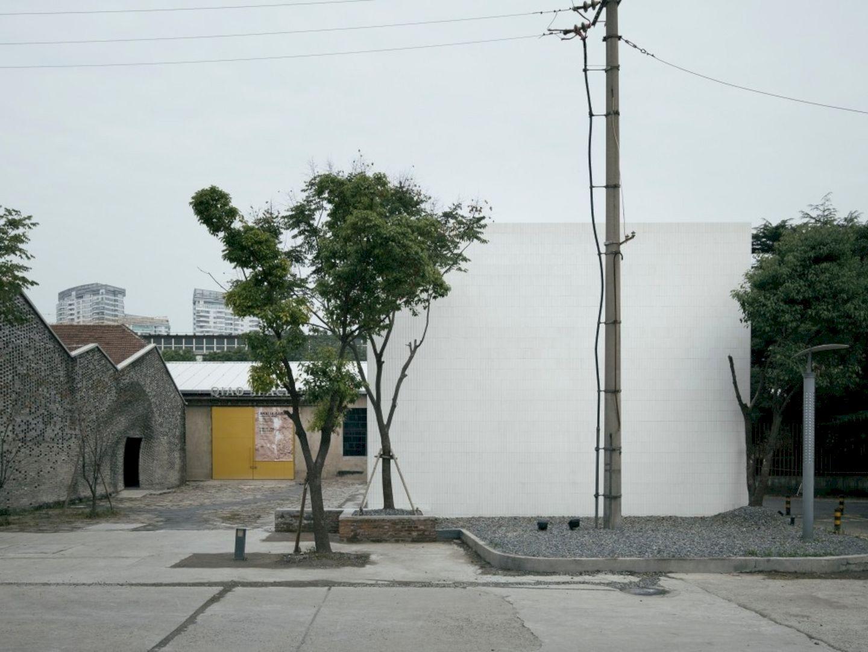 OTA FINE ARTS Gallery By BLUE Architecture Studio 12