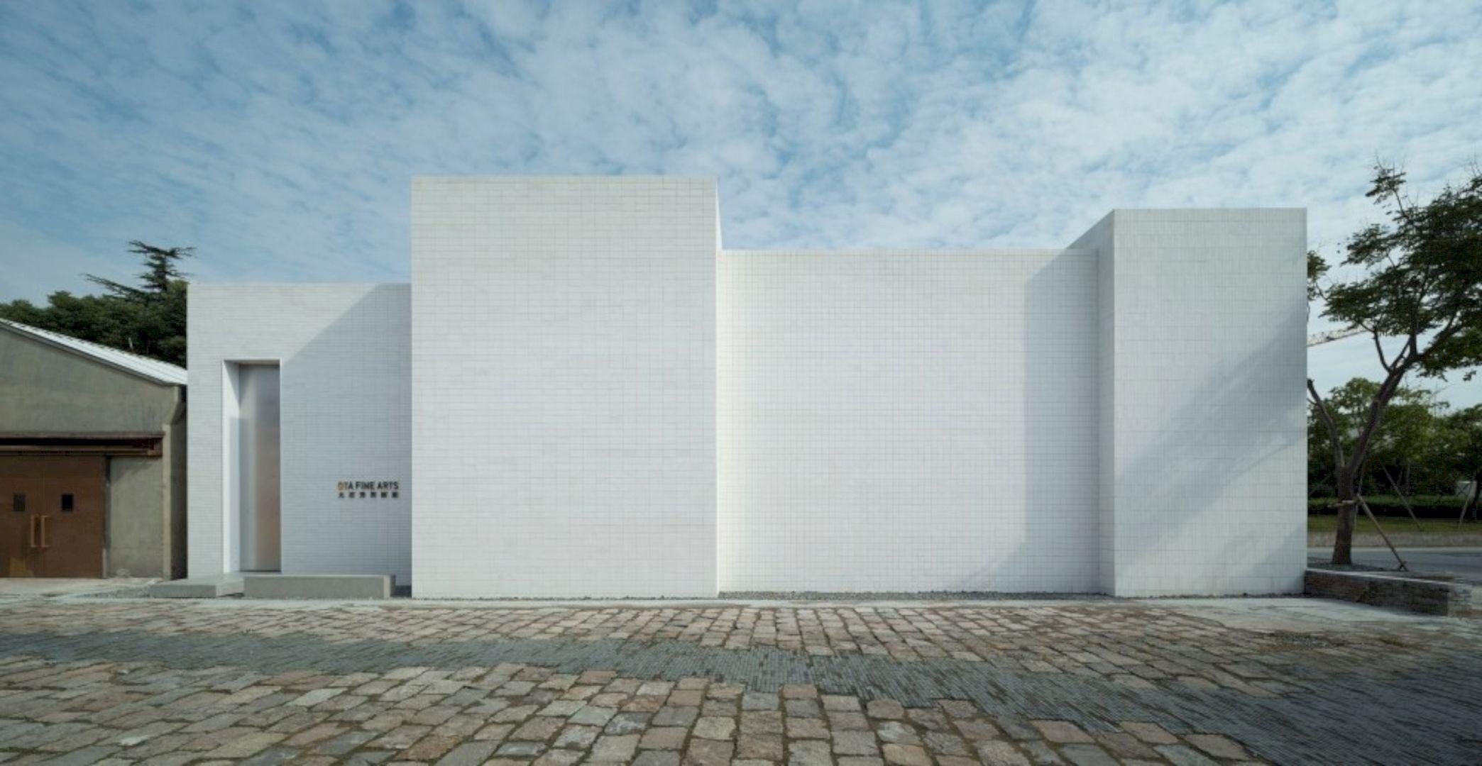 OTA FINE ARTS Gallery By BLUE Architecture Studio 6