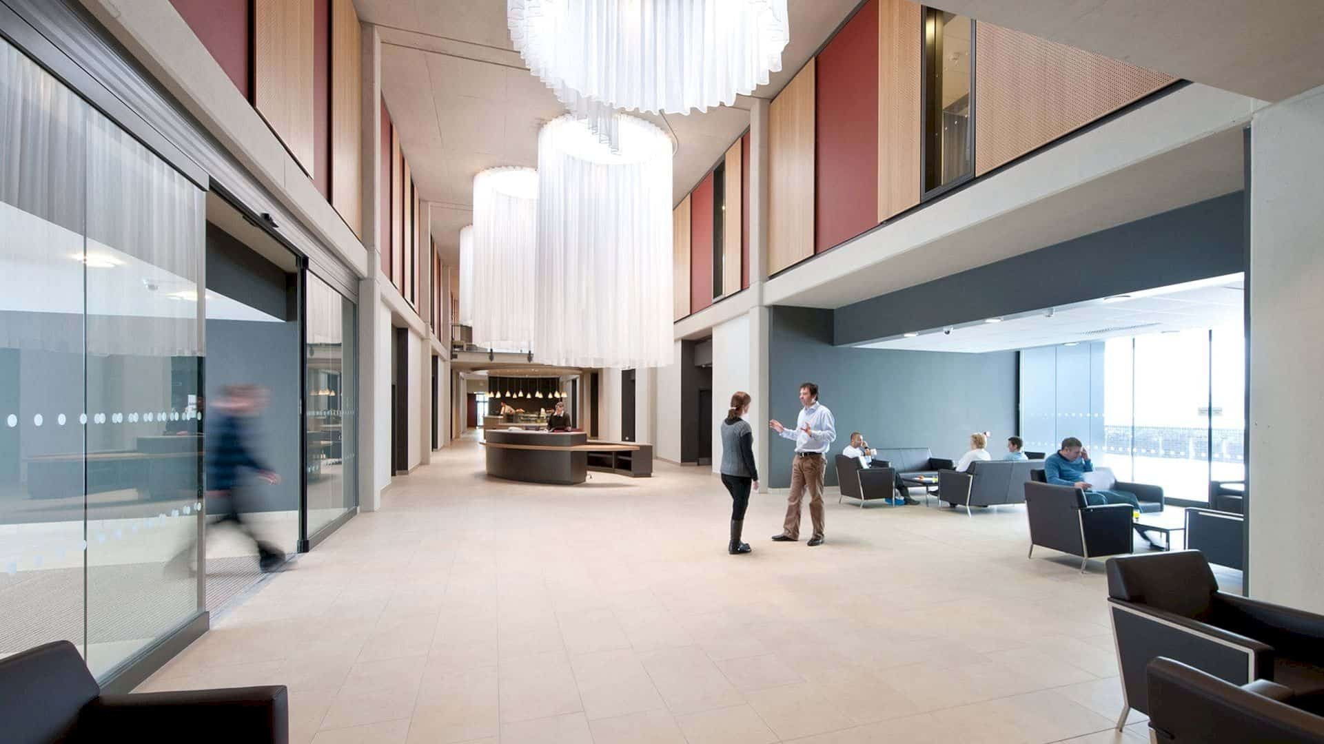Circle Bath Hospital By Foster Partners 2