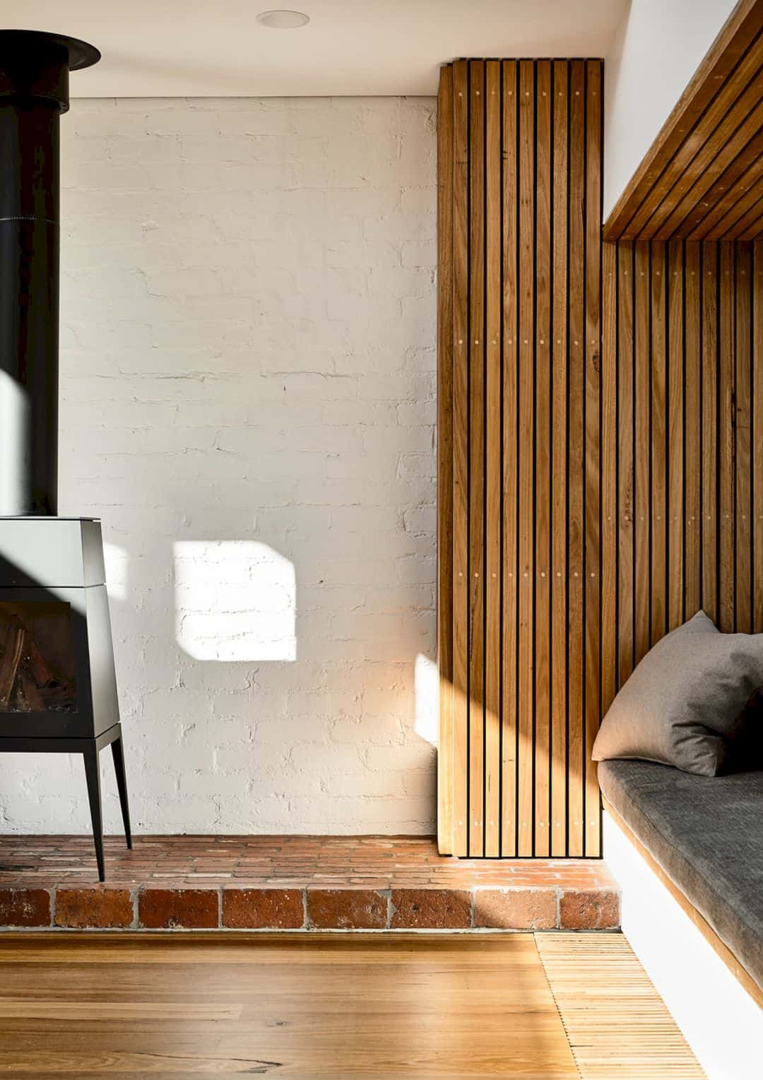 Light Saw House Fitzroy North By Zen Architects 10