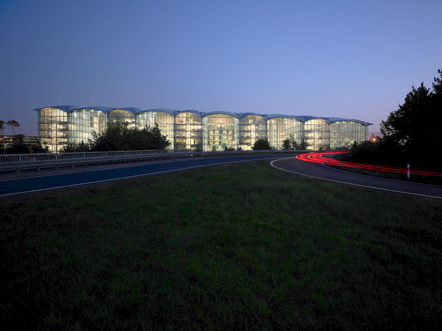 Lufthansa Aviation Center Frankfurt By Ingenhoven Architects 1