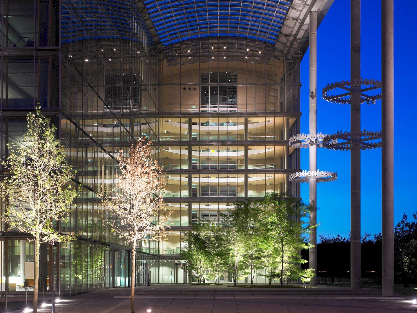 Lufthansa Aviation Center Frankfurt By Ingenhoven Architects 5