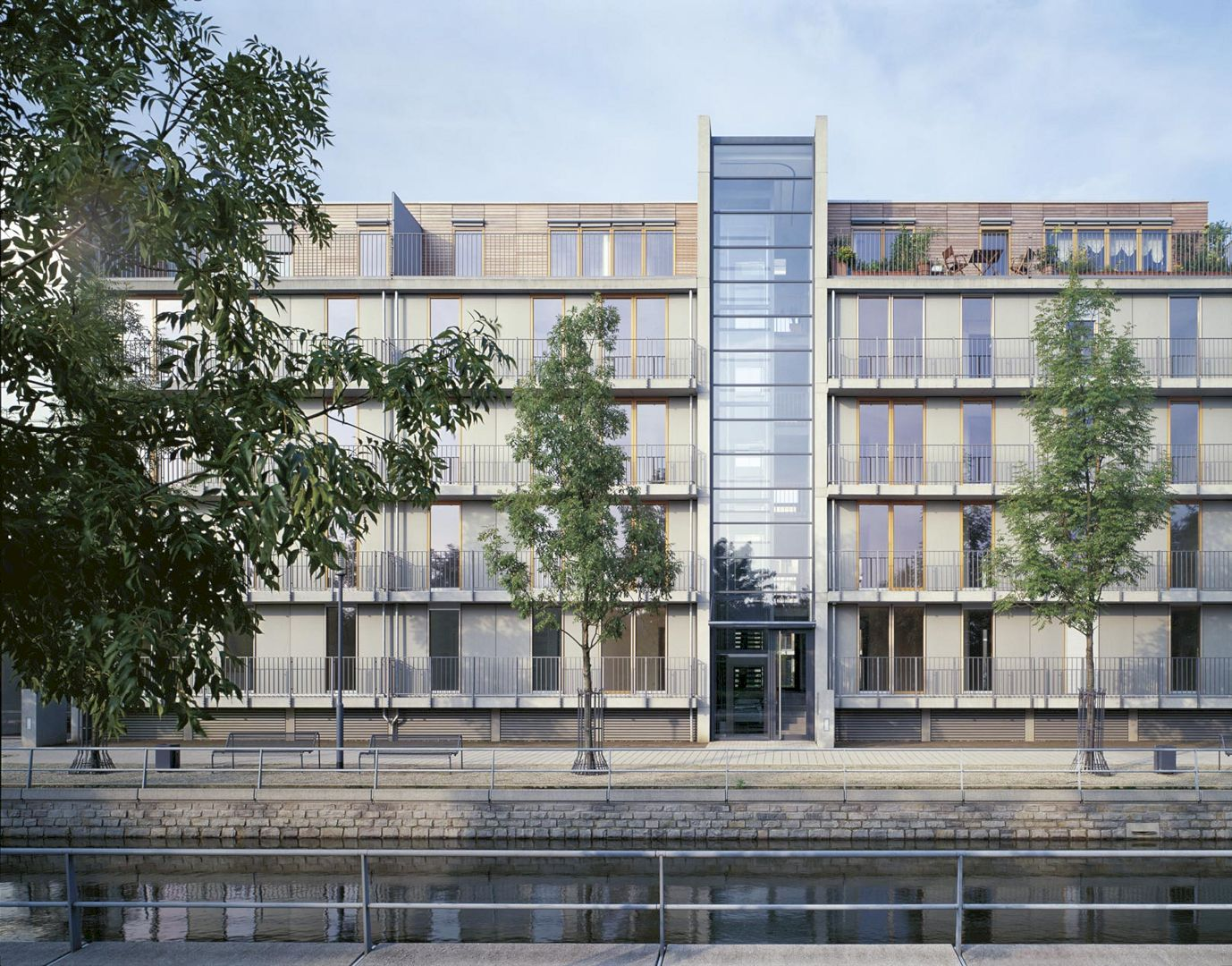 Residential Buildings Inner Harbour By Ingenhoven Architects 2