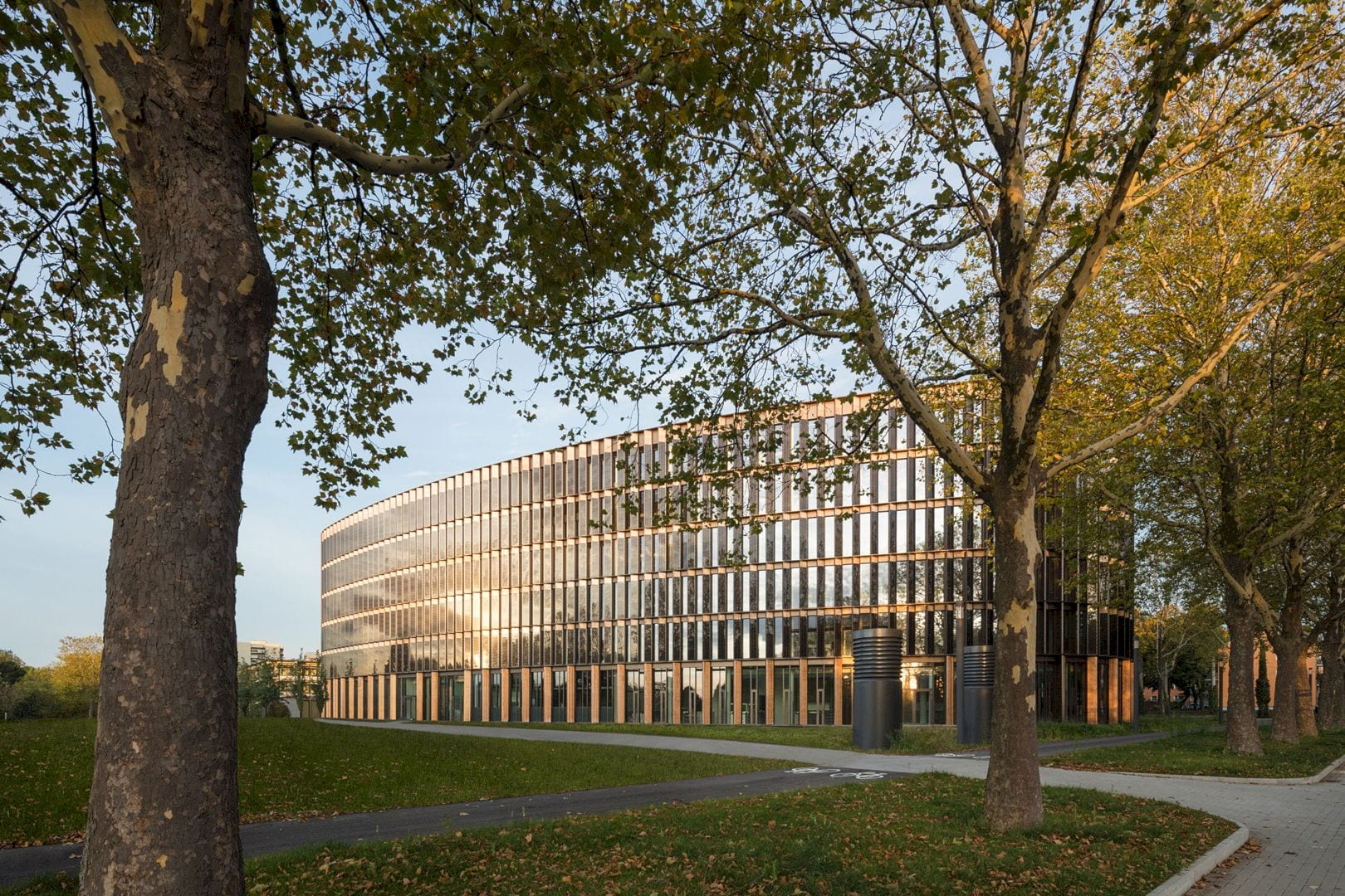 Freiburg Town Hall By Ingenhoven Architects 10