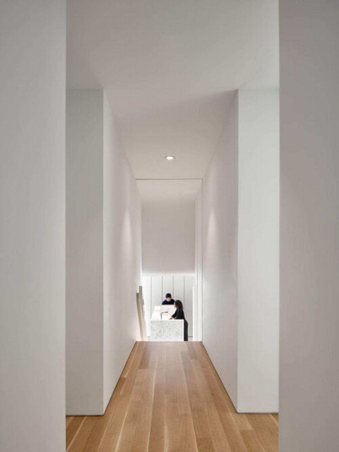Wrap House By KOHN SHNIER Architects 1