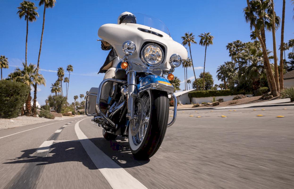 Harley Davidson Electra Glide Revival 4